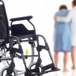 脳梗塞後遺症の歩行リハビリ|麻痺の重い患者は長下肢装具から